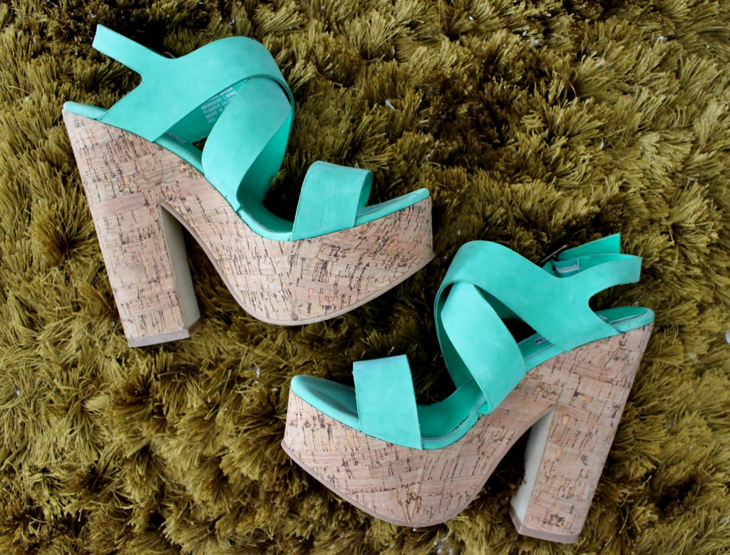Teal Wedges for Spring/Summer (IG-natashaleeds)