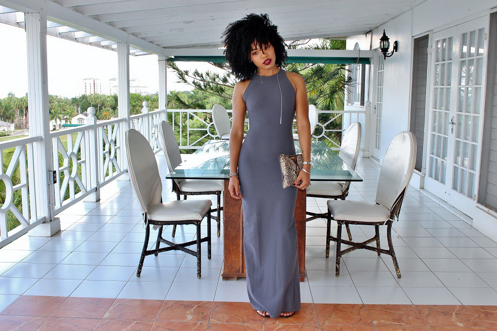how-to-wear-grey-maxi-dress-outfit